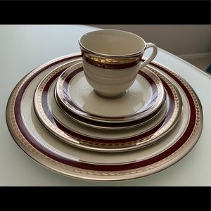 Pickard China Chateau Pattern 5 pc Placesettings